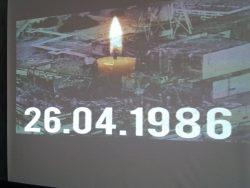 В бібліотеках віддали шану жертвам Чорнобильської аварії