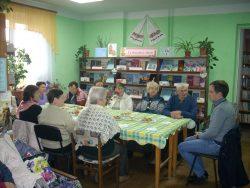 Бібліотекарі привітали людей поважного віку з святом